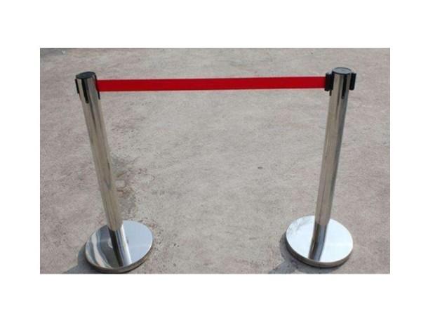 围栏立柱 5米可伸缩 镀锌底座