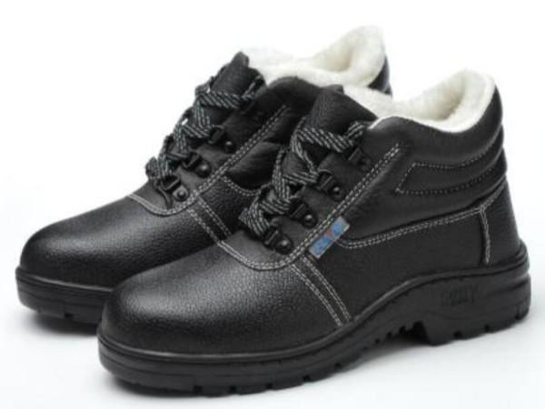 苏州无锡常州劳保用品采购之秋冬季如何选择和使用劳保鞋?